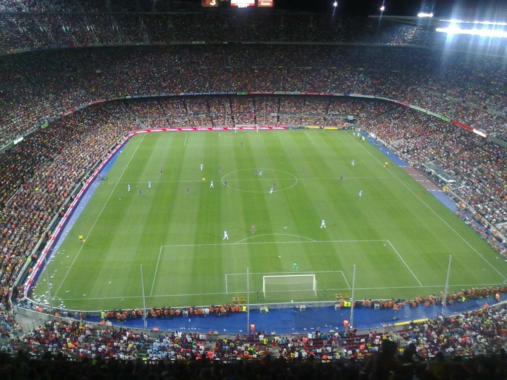 El Camp Nou, estadio del FC Barcelona, lleno de público